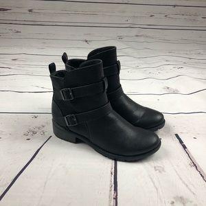Croft & Borrow black Booties